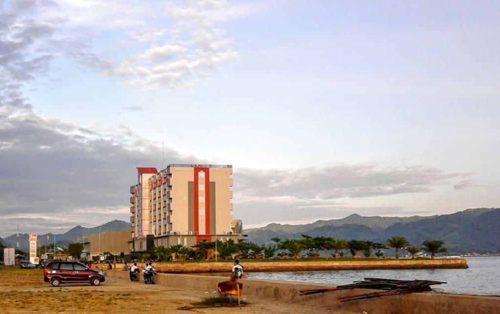 Hotel D'Maleo Mamuju