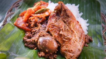 Nasi-Gudeg-Telur-Dada-Ayam-768x512