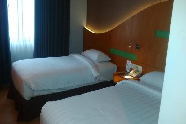 Suasana dalam kamar Hotel D'Praya Lombok