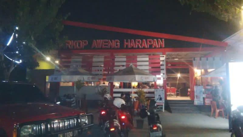 Dirintis sejak tahun 1953, Warkop Aweng kini sudah punya 7 cabang, bahkan melebarkan sayap sampai ke Singapura