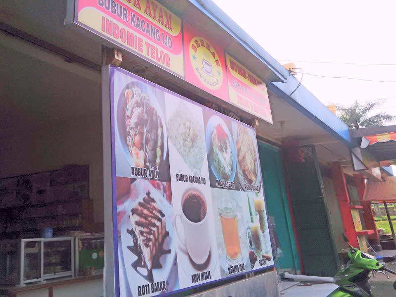 Warkop 'burjo' Berkah, salah satu warung kopi dan mie rebus milik orang Kuningan. Cabangnya tersebar di Jakarta, Bekasi dan Depok