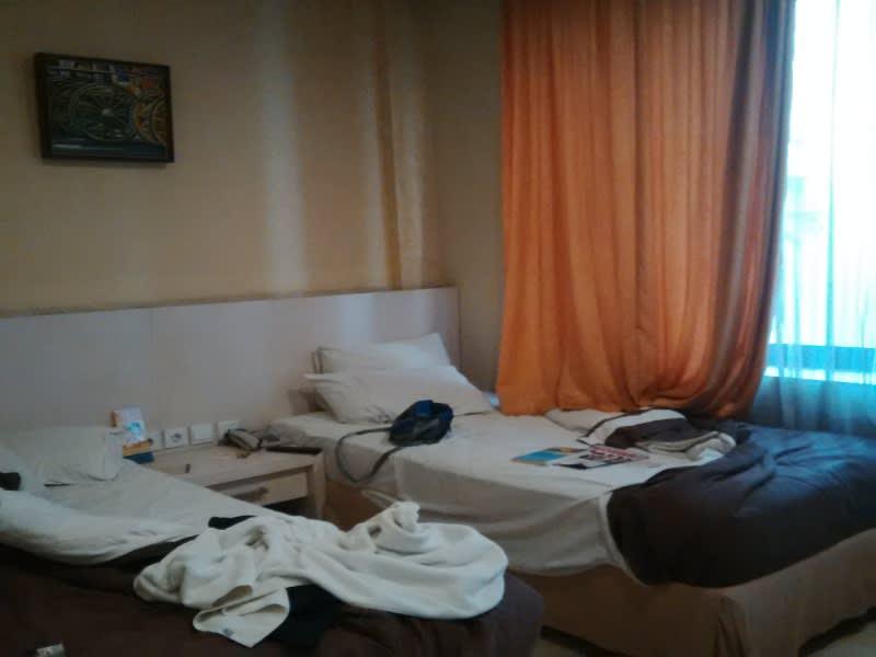 Kamar 101 yang saya inapi, cukup luas dan bersih