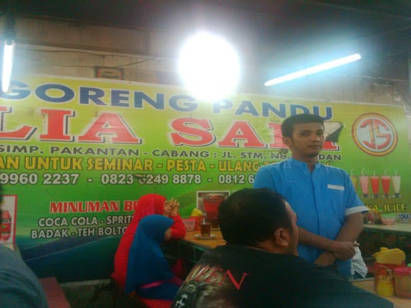 Warung nasi goreng Julia Sari di Jalan Pandu, Medan, pelanggannya Gubernur dan Wali Kota