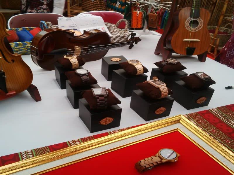 Jam kayu made in Kulon Progo