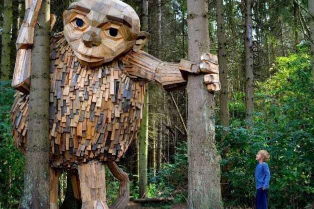 Thomas Dambo's giants