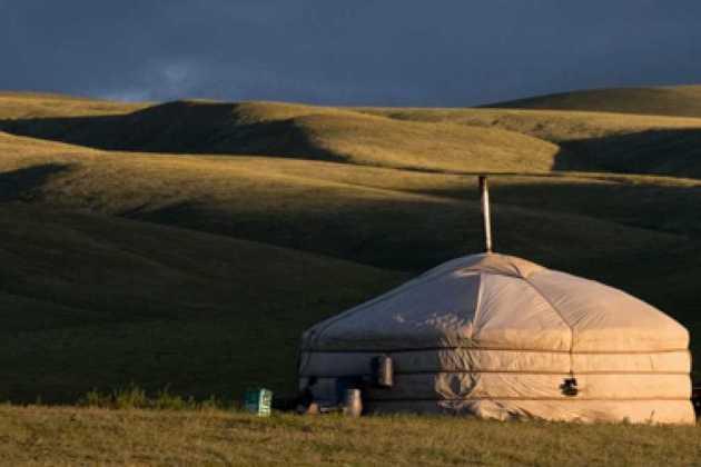 lightning in mongolia