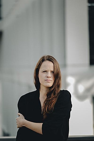 Jazz-Schmiede Online:  ANNA.LUCA // SMALL FRIENDLY GIANT