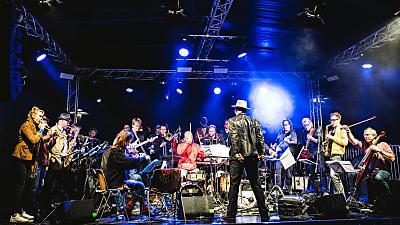 The Dorf + Umland Festival