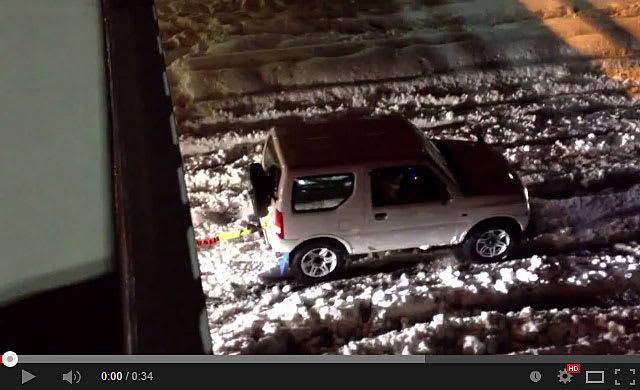 20140217-スズキ-ジムニーが大雪で大活躍で凄い!-01.jpg