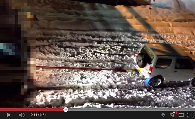 20140217-スズキ-ジムニーが大雪で大活躍で凄い!-03.jpg