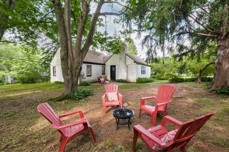 Home for sale (Yard)