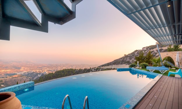 Why a Swimming Pool Is a Good Investment for Your Home
