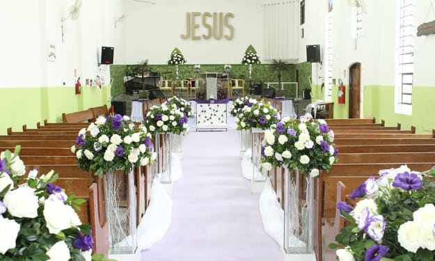 Amazing Ways to Decorate a Church for Your Wedding Ceremony
