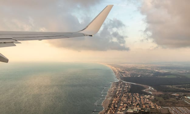 5 Cost-Cutting Tips That Frequent Fliers Use To Save On Air Travel