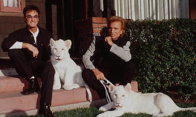Roy Horn of Siegfried & Roy Dies From COVID-19 Complications