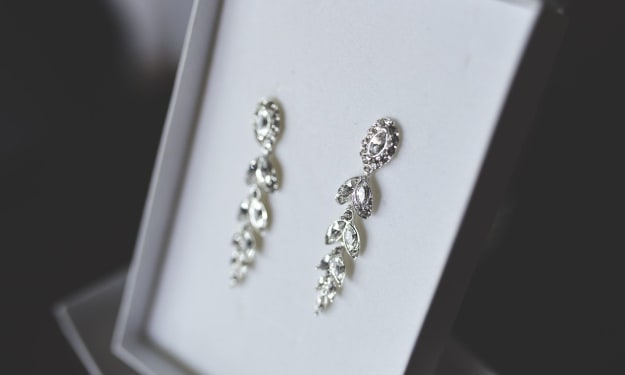 4 Top Tips for Choosing Jewellery Fit for a Wedding