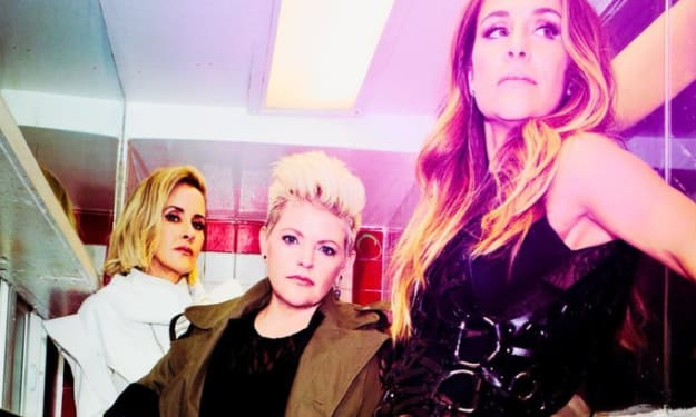 """""""Dixie Chicks"""" change their name to """"Chicks"""""""