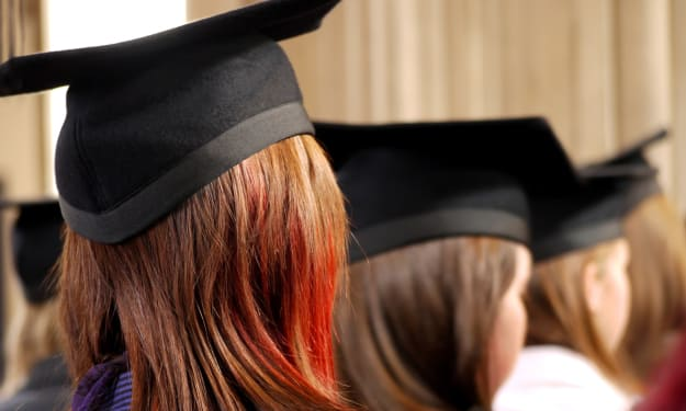 7 Benefits of Getting a Master's Degree Online