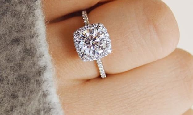 How To Design a Custom Engagement Ring?
