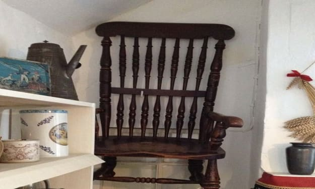 The cursed Busby chair of death