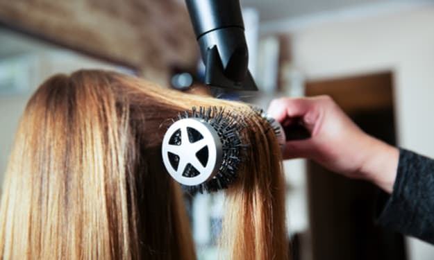 Keeping Your Hair Looking Good While You Travel