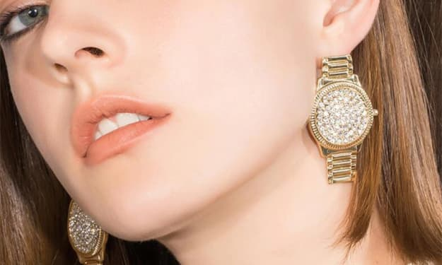 Tips on Choosing the Right Fashion Earrings For Your Summer Outfits