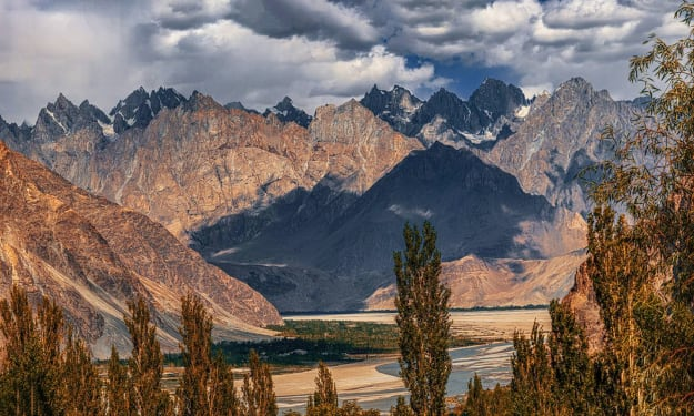 Ladakh Motor Bike Expedition: Guide to Himalayas