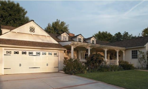 What Should You Look for When Buying a Garage Door in Jacksonville, FL?