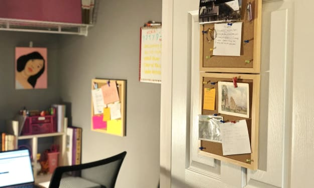 """How I Transformed My Closet Into a Fully Functioning Office: """"Cloffice"""""""