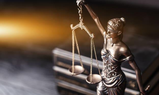 Benefits of Hiring A Criminal Lawyer