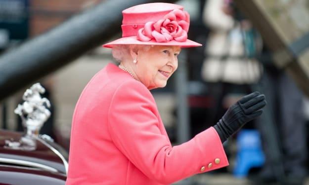 Royal Fashion 101: