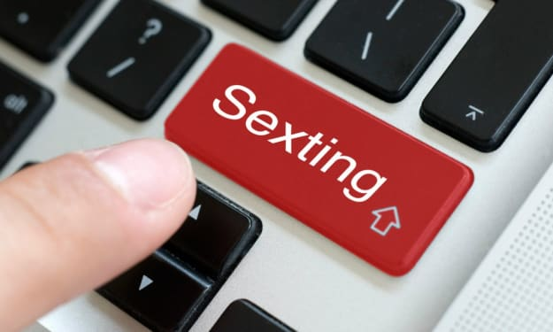 Why Do Guys like Sexting? Here are 7 Reasons