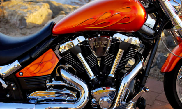 Now make your motorcycle glamorous with Vinyl wrap