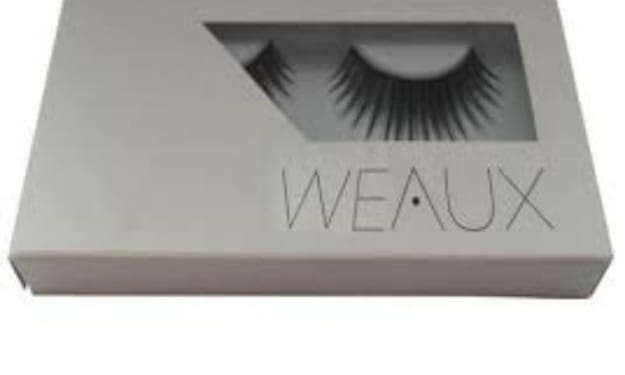 Put a Glam To Your Cosmetic Eyelashes With Custom Printed Boxes