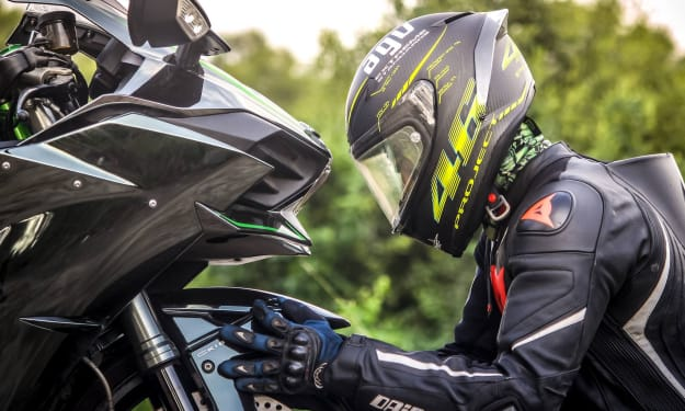 Motorcycle Accident Prevention: 8 Tips From The Experts