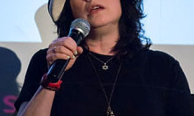 Anything, brought to you by the genius: Amy Sherman-Palladino
