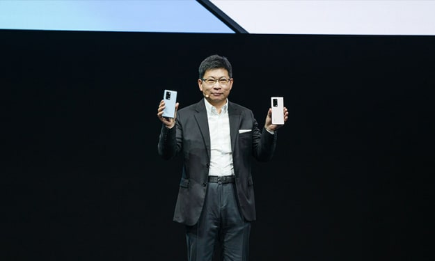 Huawei unfolds new-generation foldable smartphone HUAWEI Mate X2