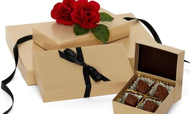 Gift Card Boxes are also made luxurious as well