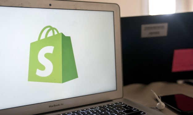 Shopify vs WordPress (2021) - Which is the Right Fit for Your Business?