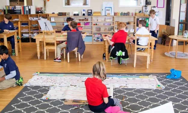 What's The Difference Between Montessori & Traditional Education Methods?