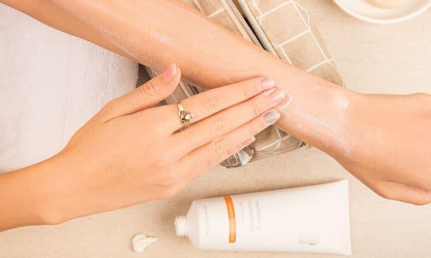 Hand Whitening Cream  - Hand Whitening Cream Tips