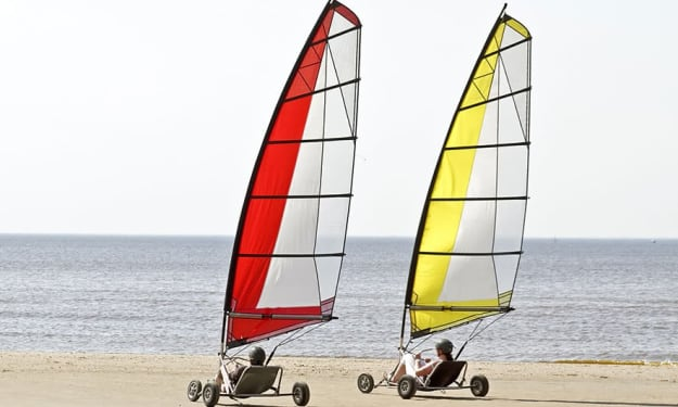 How to learn land sailing in Abu Dhabi