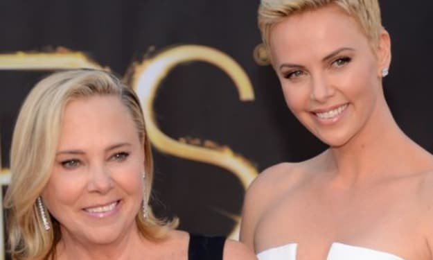 """Charlize Theron """"Not Ashamed"""" That Her Mom Shot & Killed Her Dad"""