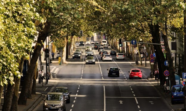 5 Traffic Laws Every Driver Should Know
