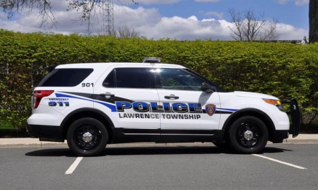 5 Ways for Police Vehicle Graphics Design