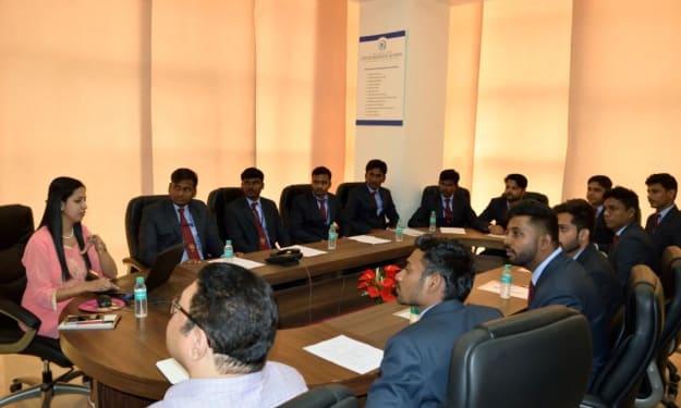 Best MBA Institute in Pune, Maharashtra - Lotus Business School