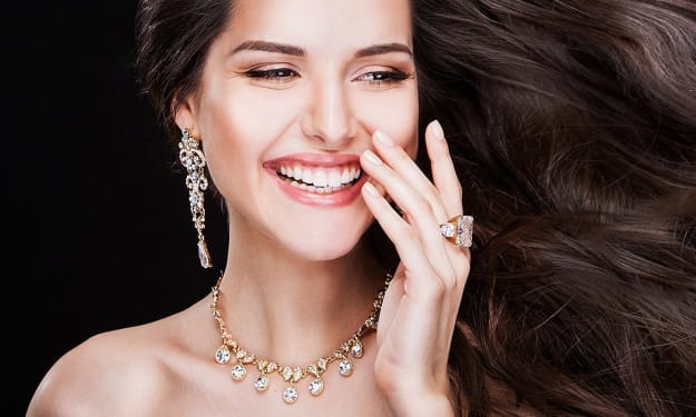 Dos and Don'ts of Wearing Fashion Jewelry - Valuable Tips to Women Jewelry Fans