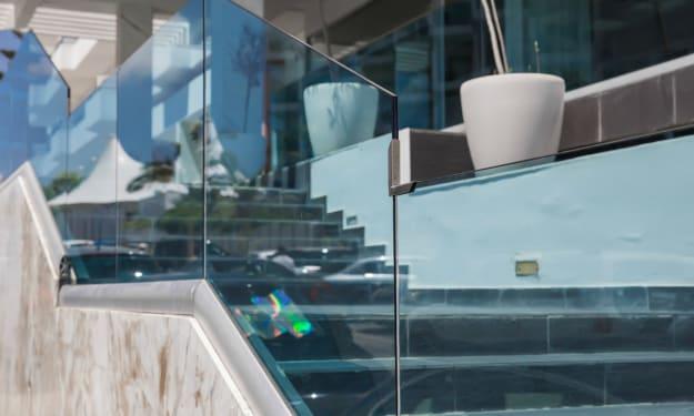 5 Ultimate Benefits of Using Glass Railings