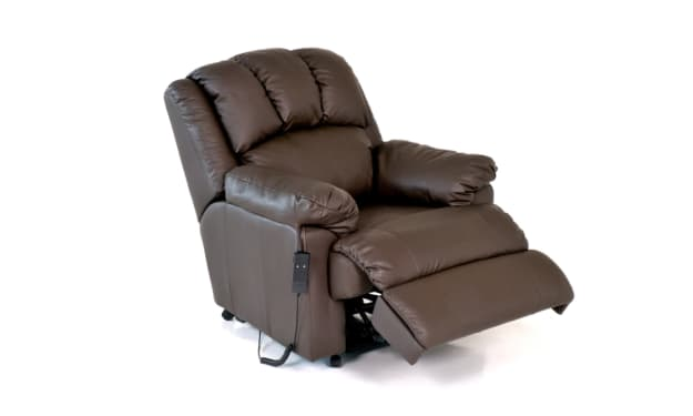 Are Recliner Sofas Good for Your Back? Reviews by MassageChiarRecliners.com