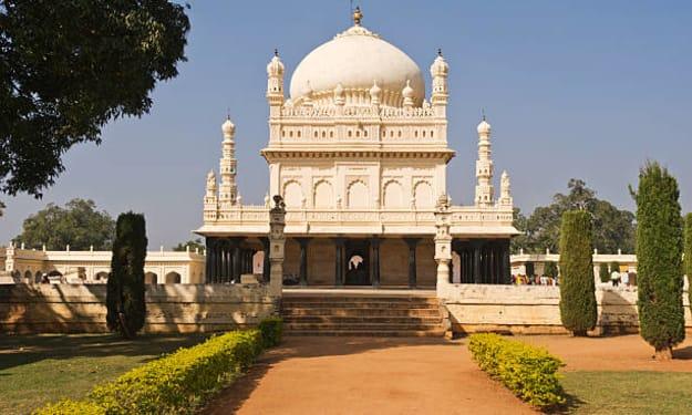 When Eternity Meets Beauty – An ultimate Guide to Gol Gumbaz, Karnataka